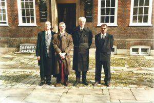 Staple Inn, Institute and Faculty of Actuaries. Iš kairės į dešinę: dr. G. Račkauskas, dr. G. Bakštys, prof. V. Paulauskas, dr. R. Kudžma.